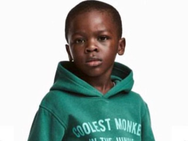 Ce contract a primit copilul din reclama H&M, care a atras o multitudine de reactii negative