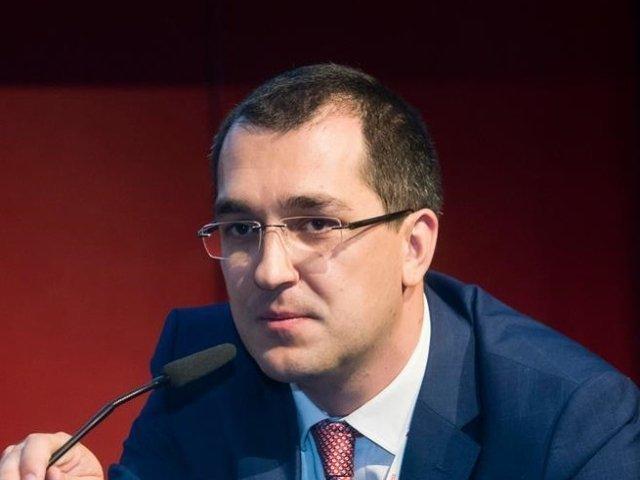 Vlad Voiculescu: Clica de borfasi ataca din nou - Carmen Dan profita de scandalul pedofilului politist