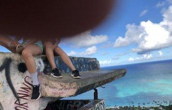 10+ momente in care turistii au rugat strainii sa le faca o poza si... au regretat imediat