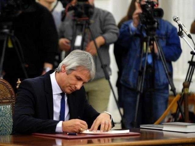 Teodorovici: Cata lipsa de maturitate politica si profesionala reiese din linguseala adresata premierului