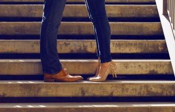Un cosmar pentru picioare: 6 obiceiuri periculoase pentru genunchi si glezne