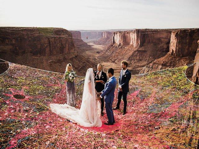 [FOTO] Nunta la 120 metri inaltime: Imaginile sunt incredibile
