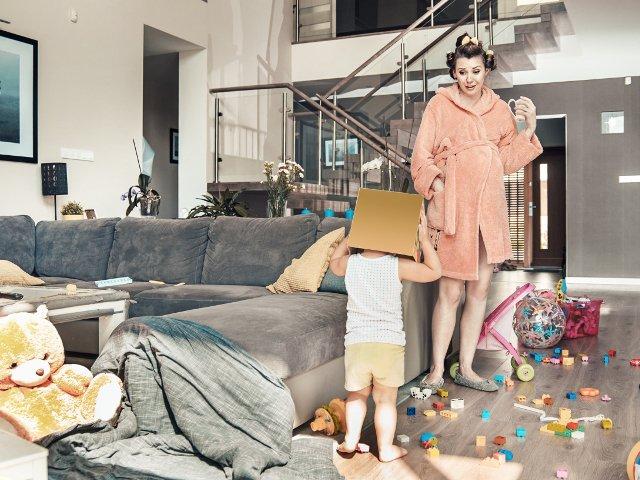 """Nu e usor sa fii mama! 10 fotografii """"dezastruoase"""" care ilustreaza cat de neascultatori pot fi, uneori, copiii"""