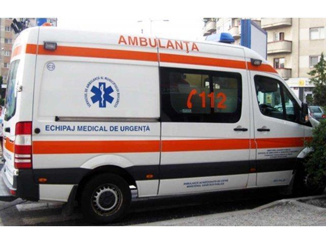 Explozie intr-o locuinta din Suceava. O femeie a fost transportata de urgenta la spital