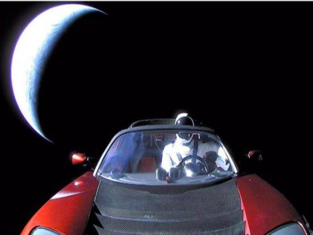 [FOTO] Elon Musk a publicat ultima imagine cu Starman si Tesla in spatiu