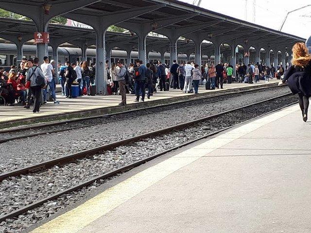 CFR Calatori ofera reduceri indragostitilor,care vor putea face declaratii la megafonul din Gara de Nord