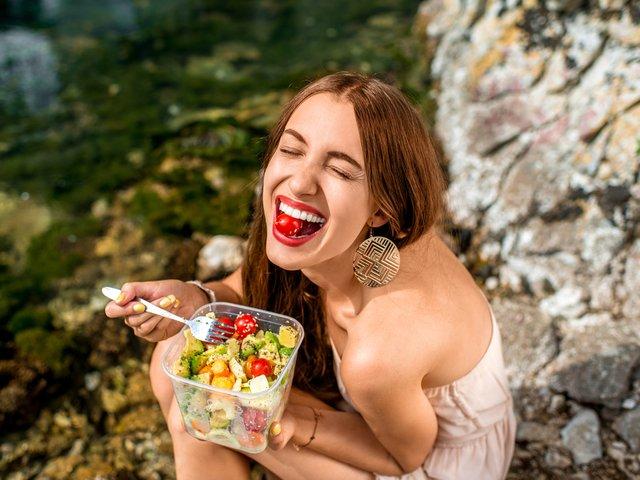 Dincolo de kilograme: Cum iti afecteaza alimentatia starea de spirit