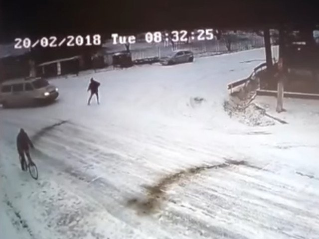 Un barbat a murit dupa ce a fost lovit de duba politiei / VIDEO