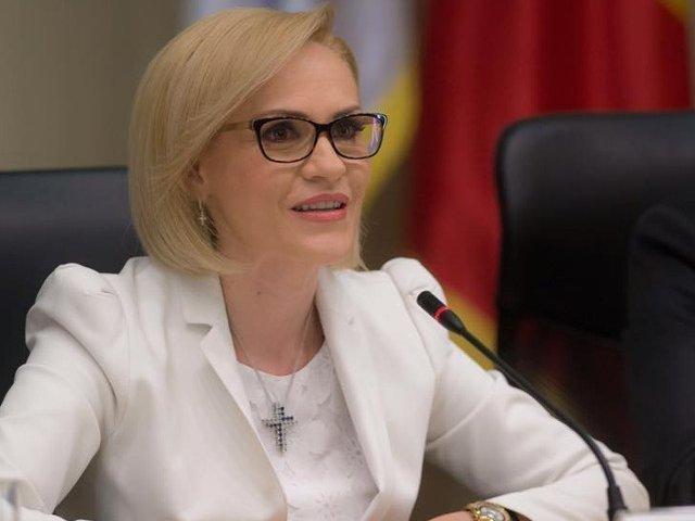 USR Bucuresti: Gabriela Firea inchide scolile ca sa nu se inchida traficul