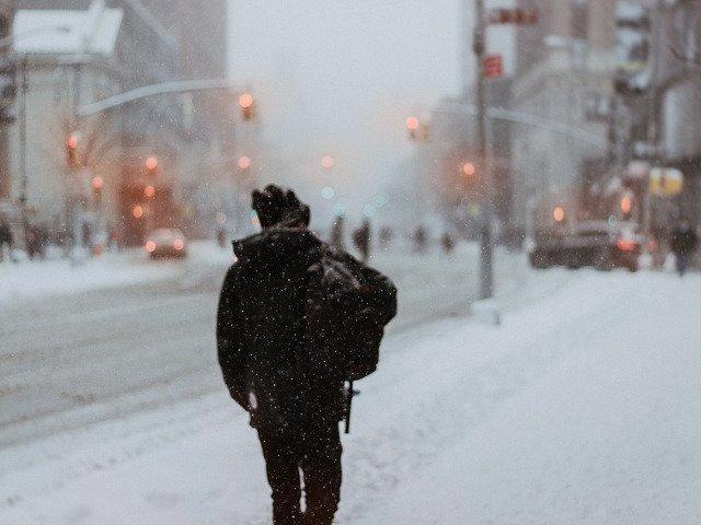 Valul de frig si precipitatiile sub forma de lapovita si ninsoare vor persista in urmatoarele zile in Capitala