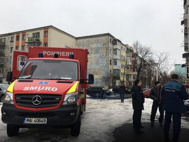 Craiova: O tanara a supravietuit dupa ce a cazut de la etajul 9