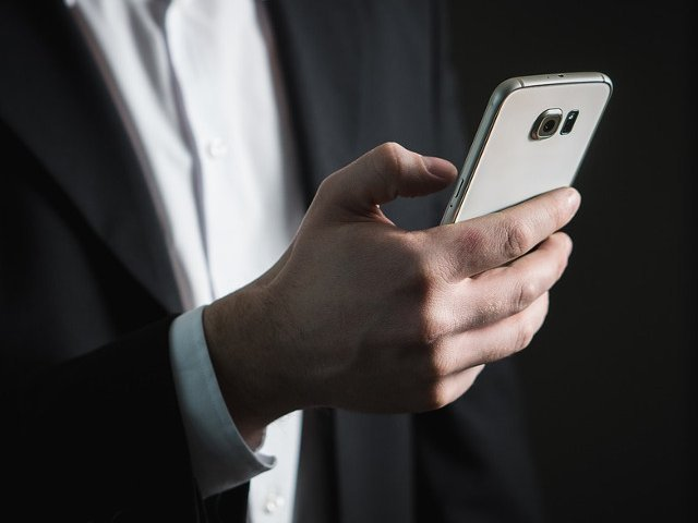Romanii vor fi informati prin SMS cand le vor expira pasapoartele
