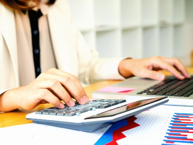 4 intrebari si raspunsuri utile despre sistemul split TVA
