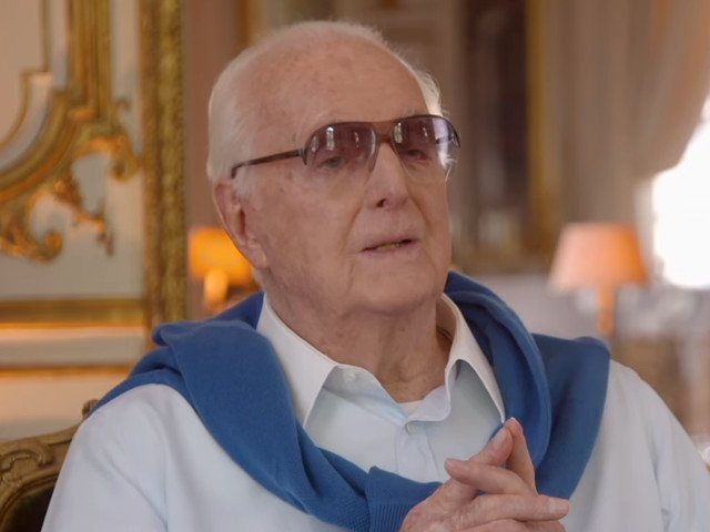 Celebrul creator de moda Hubert de Givenchy a murit la 91 de ani