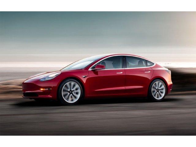 """Tesla a intrerupt productia lui Model 3 aproape o saptamana: """"Nu exista probleme fundamentale"""""""