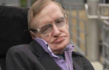 Stephen Hawking a murit la 76 de ani