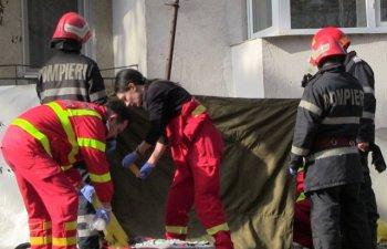 O pensionara a murit dupa ce a fost aruncata de la etajul 10. Batrana era in scaun cu rotile/ VIDEO