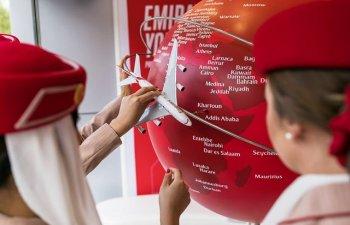 O stewardesa a Emirates Airline a murit dupa ce a cazut din avion
