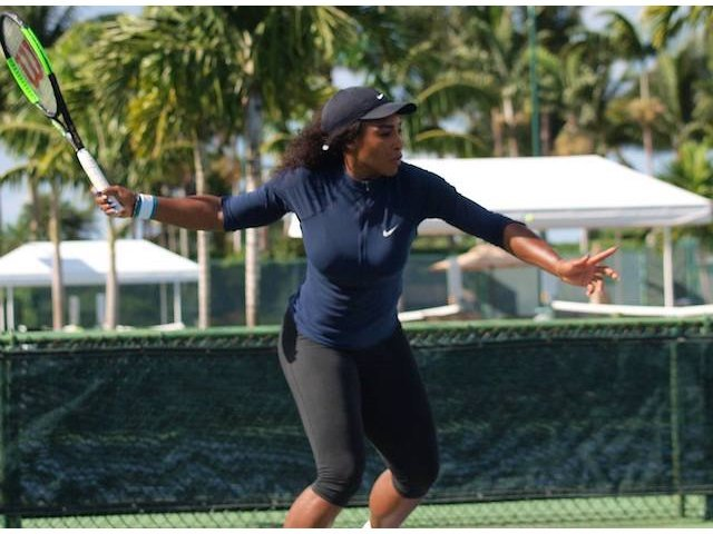 Serena Williams, in primul tur al turneului de la Miami, impotriva sportivei Naomi Osaka