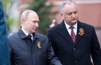 """Igor Dodon l-a felicitat """"din suflet"""" pe Vladimir Putin dupa castigarea alegerilor"""