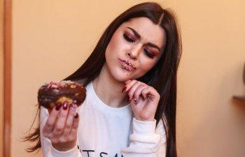 8 alimente pe care sa nu le mai consumi NICIODATA cand esti la menstruatie