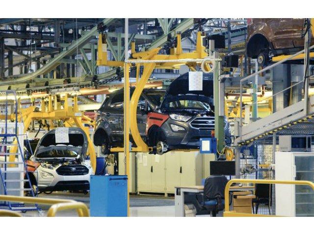 Ford aniverseaza 10 ani de la preluarea uzinei de la Craiova: productie record anticipata pentru 2018 cu aproape 4500 de angajati