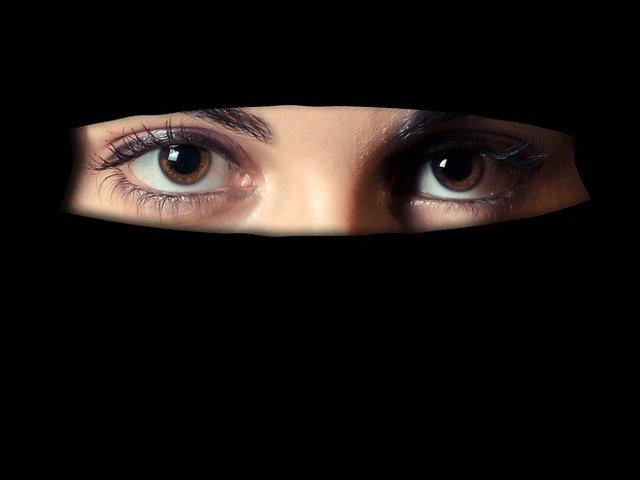 Barbat, condamnat la inchisoare dupa ce si-a injunghiat mortal sotia pentru ca nu a vrut sa se alature gruparii Stat Islamic