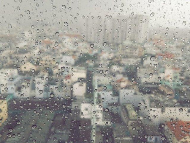 Cod galben de ploi in 29 de judete pana duminica seara