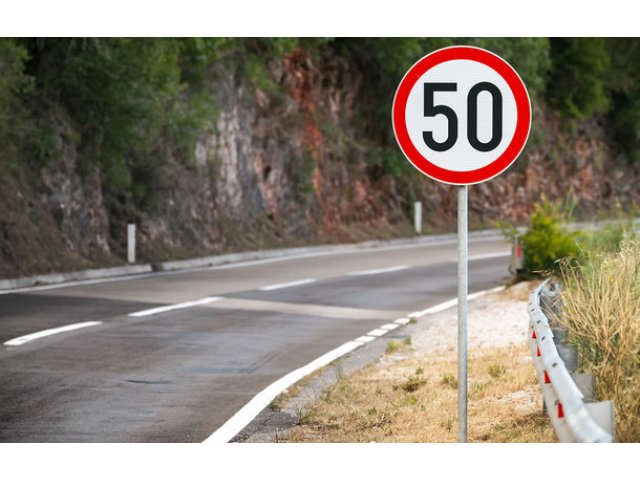 """Specialistii recomanda o viteza de maxim 70 km/h pe sosele fara parapeti intre sensuri: """"Vitezele mai mari aduc intotdeauna mai multe accidente si victime"""""""