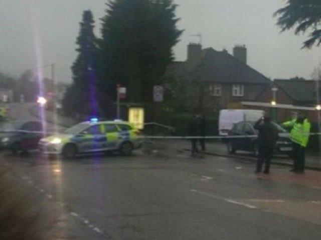 Barbat, impuscat mortal de politistii britanici, dupa ce a facut amenintari