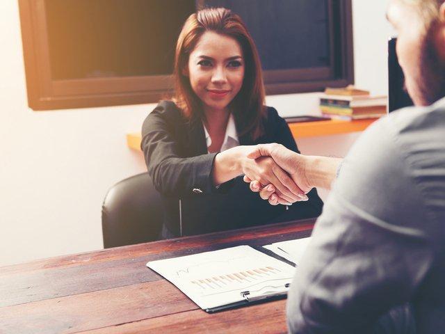 5 greseli nonverbale de evitat la un interviu