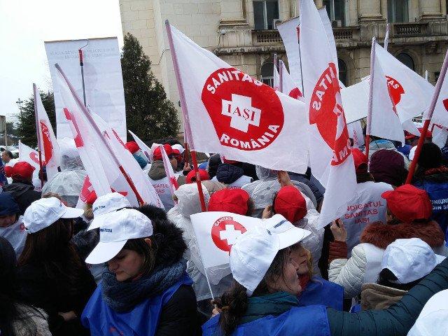 Sindicalistii din Iasi au anuntat ca vor picheta Prefectura timp de o saptamana