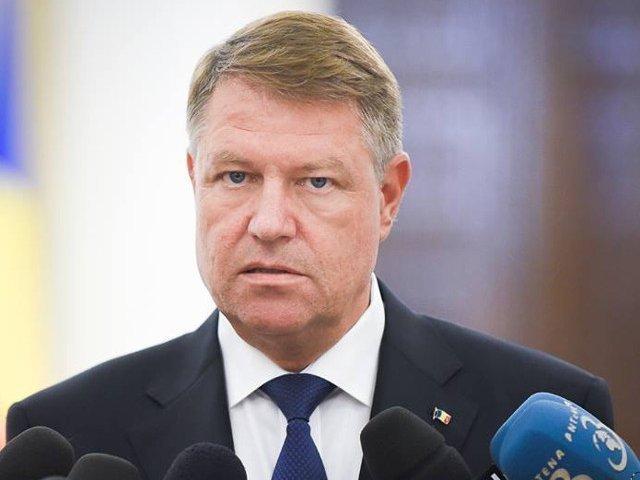 Klaus Iohannis, aviz de urmarire penala in cazul lui Ion Iliescu, Petre Roman si Gelu Voican Voiculescu