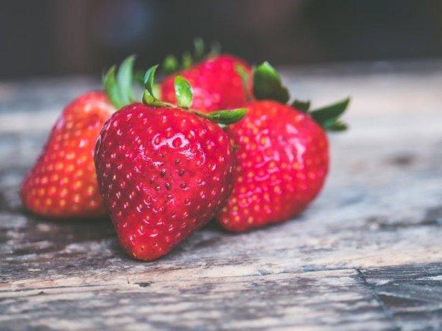 Cum poti elimina resturile de pesticide de pe fructe si legume