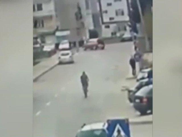 Preot, ranit grav dupa ce a fost lovit de o masina pe trecerea de pietoni/ VIDEO