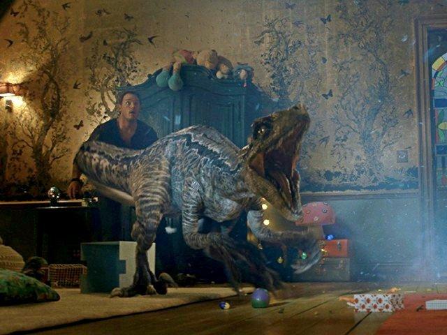 Trailerul final pentru continuarea Jurassic World: dinozaurii vor lua cu asalt marele ecran / VIDEO