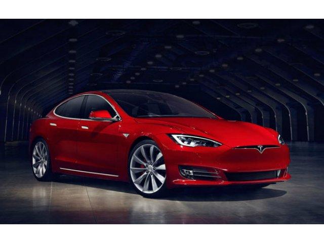 """Tesla, acuzata ca nu poate dezvolta tehnologia autonoma pentru care cere 3.000 de dolari: """"Oamenii nu realizeaza dificultatea"""""""