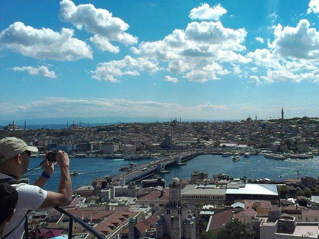 Top 10 cele mai frumoase destinatii pentru un city break in luna mai