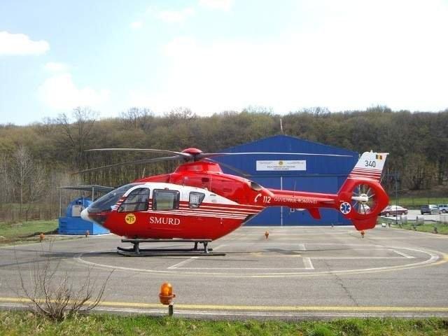 Un elev din Titu care a cazut de pe o bara din curtea scolii a fost dus cu elicopterul la spital