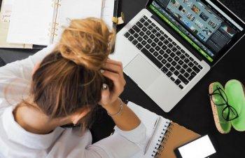 10 simptome evidente care apar atunci cand esti foarte stresat