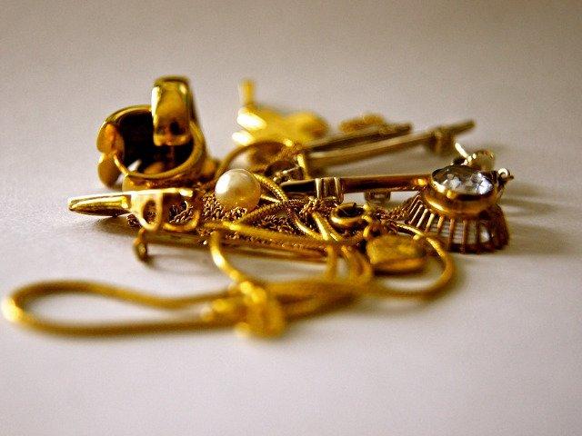 Bijuterii din aur, fara documente legale, confiscate de politistii de frontiera de la Vama Veche