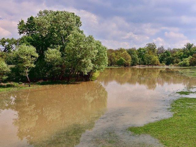 Cod GALBEN de inundatii in 19 bazine hidrografice, pana joi dimineata