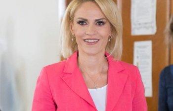 "Gabriela Firea s-a prezentat ""primarul general al Romaniei"" in cadrul unei conferinte"