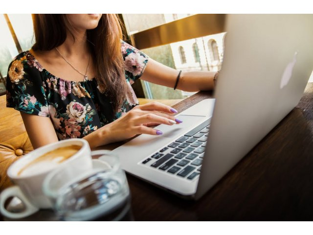 Cand sa iei in considerare un credit online si ce ar trebui sa stii?