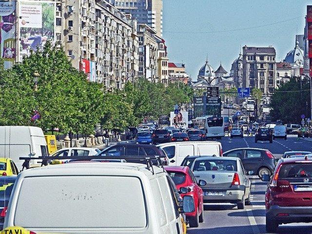 Bucurestenii se numara printre cetatenii UE cei mai nemultumiti de curatenia orasului lor