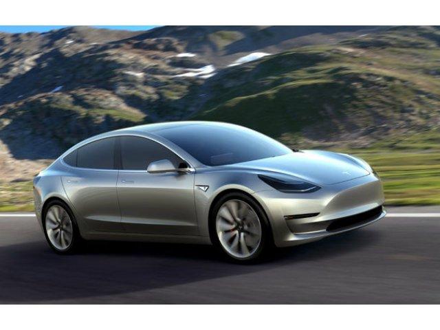 "Elon Musk admite ca Tesla trebuie sa vanda versiuni scumpe de Model 3: ""Daca am vinde acum varianta de 35.000 de dolari, am intra in faliment"""