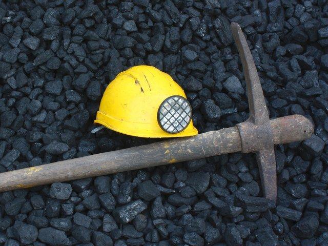 Un miner a murit, dupa ce a fost lovit de un corp de 150 de kilograme