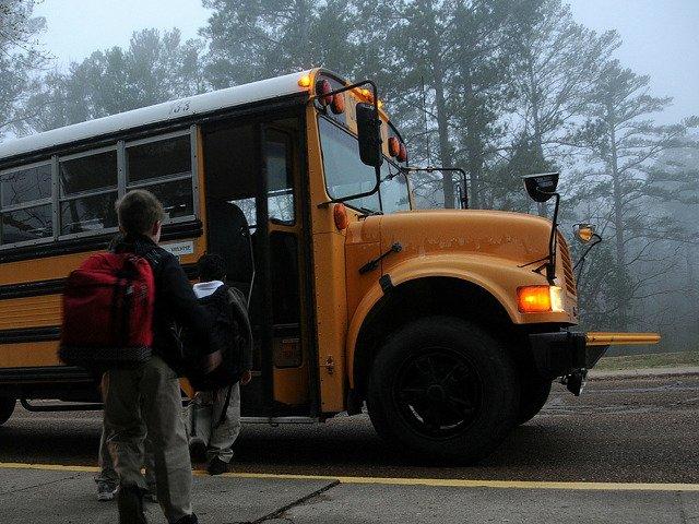 Un baiat de 4 ani din China a murit sufocat, dupa ce a fost uitat in autobuzul scolar
