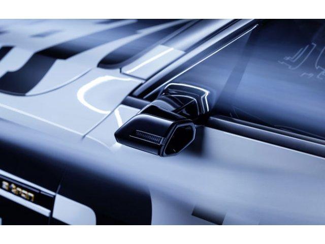 Informatii noi despre Audi e-tron: SUV-ul electric va deveni primul model de serie cu camere video incorporate in oglinzile laterale