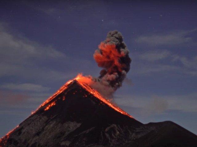 Vulcanul Fuego si-a incheiat eruptia de 16 ore cu un bilant de 25 de morti si 1,7 milioane de persoane afectate